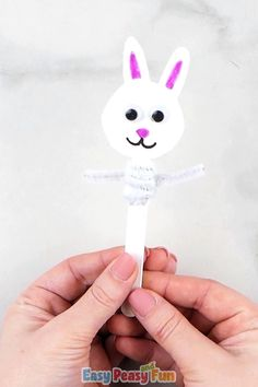 This simple craft is just in time for holidays and once your kids are done making these Easter craft stick puppets they will be able to play with them which doubles the fun! basteln videos Easter Craft Stick Puppets Craft for Kids Puppet Crafts, Craft Stick Crafts, Preschool Crafts, Kids Crafts, Easy Crafts, Arts And Crafts, Simple Crafts For Kids, Craft Stick Projects, Craft Sticks