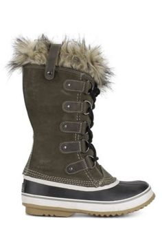 The perfect boots for winter travel!