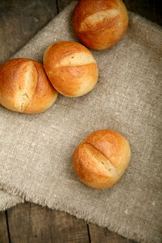 Schnelle Weizen-Schnittbrötchen mit Malz