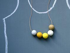 necklace/jewellery display - blackboard