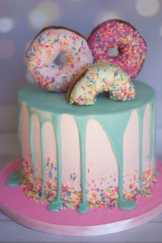 Donut drip cake Pink donut drip cake - Donut drip cake Pink donut drip cake Informations About Donut drip cake - Donut Party, Donut Birthday Parties, Birthday Cake Girls, Donut Birthday Cakes, Birthday Ideas, 8th Birthday Cake, Softball Birthday Cakes, 2 Year Old Birthday Party Girl, Birthday Pictures