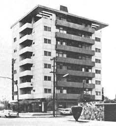 Edificio de apartamentos, av. Chapultepec Sur 562, Americana Guadalajara, Jalisco, México Arq. Julio de la Peña c. 1960 - Apartment building, av. Chapultepec Sur 562, Americana, Guadalajara, Jalisco, Mexico c. 1960