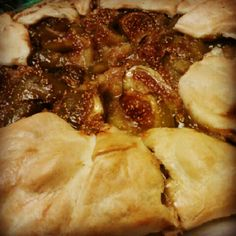 Fig and almond gallette...I so could do damage to this!