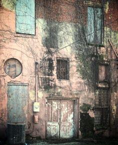 Abandoned building ~ Herne, Texas