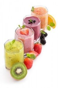 Smoothies have grown very popular over the years, with fruit smoothies being at the top of the list of favorite beverages. Many people already consume fruit smoothies regularly and have praised the… Healthy Diet Tips, Good Healthy Recipes, Healthy Foods To Eat, Healthy Drinks, Diet Recipes, Healthy Snacks, Healthy Weight, Blender Recipes, Jelly Recipes