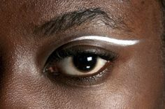 I love the curve and shape of this eyeliner