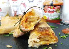 Rollitos mixtos de navidad con cebolla caramelizada y tomate Spanakopita, Salmon, Mexican, Snacks, Chicken, Meat, Ethnic Recipes, Desserts, Food