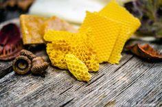 Sanfte Bienenwachswickel bei Husten & Erkältungen   Hausmittel für die ganze Familie; Bienenbrustwickel selber machen; Bienenwachswickel selber machen; natürliche Hausmittel Rezepte Bronchitis, Blog, Cold Home Remedies, Medicinal Plants, Blogging