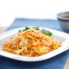 ¿Se te antojan unos camarones y pasta estilo Szechuan? Prueba esta riquísima receta:  Ingredientes  300 g camarones 200 g fideos de arroz 1 zanahoria rallada 1 salsa para salteado BLUE DRAGON® Tomate Szechuan 120 g 15 ml aceite Capullo Procardio ®  Rendimiento  2 porciones  Preparación...https://www.facebook.com/BlueDragonMex/photos/a.291377837669193.1073741828.267161796757464/313267152146928/?type=1&theater