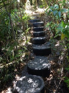 Tired steps Steep Hillside Landscaping, Large Backyard Landscaping, Tire Garden, Outdoor Stone, Outdoor Stairs, Tyres Recycle, Stone Walkway, Woodland Garden, Earthship