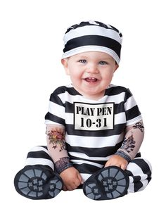 29 halloween costume ideas for kids!This year\'s largest selection of Halloween costumes for children are here! Gigantic selection of kids costumes and children\'s costumes in unusual and hard to . Halloween Mignon, Halloween Bebes, First Halloween Costumes, Baby Boy Halloween, Infant Halloween, Halloween City, Diy Halloween, Carters Halloween, Halloween Recipe
