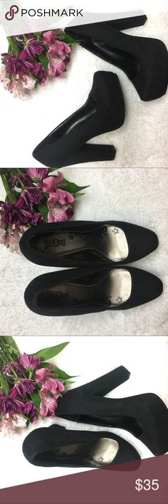 Black high hells - thick Black high shoes / thick .                                                  High thick heels ✔️ Excellent quality ✔️ Lightly worn ✔️ Very comfortable ✔️ Shoes Heels
