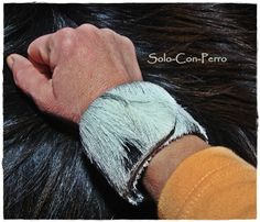 ° MITJORN No. 2 ° Klack-Armband Leder Fell Ziege von °  Solo-Con-Perro ° auf DaWanda.com
