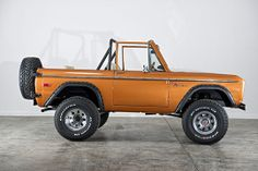 Classic Ford Broncos - check out some of our recent show-quality early model Ford Bronco restorations. Classic Bronco, Classic Ford Broncos, Classic Trucks, Classic Cars, Ford Trucks, Lifted Trucks, Pickup Trucks, Early Bronco, Jeeps