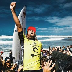 RING THAT BELL!!! Congrats to the wild Aussie Wilko on taking down back to back wins on the first two of three WCT events on the Australian leg of the 2016 WSL Tour. Love to see him hit the trifecta and win at Margaret River in West Oz. #wsl #ripcurlpro #bellsbeach #wilko #goofyfoot #surfing #surfer #surf #australia #australian #ripcurl  poached from Owen Wright...get well mate. by wearewindowseat http://ift.tt/1KnoFsa
