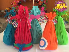 Trolls Party favor, trolls la película, trolls dulceros, trolls Party ideas.