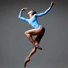 Stunning Clara Sorzano wearing SOLO Dancewear 💙 Captured by Dean Barucija 🌊 Black Dancers, Ballet Dancers, Ballerinas, Black Girls Dancing, Dance Photography Poses, Dance Poses, Human Poses, Gewichtsverlust Motivation, Figure Poses
