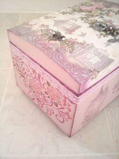Vintage chest from Dynamai 2016