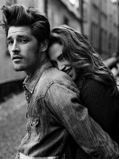 Love - couple - black and white photo Couple Photoshoot Poses, Couple Photography Poses, Couple Portraits, Couple Posing, Couple Shoot, Family Posing, Maternity Photography, Children Photography, Family Photos
