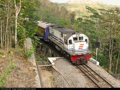 RailPictures.Net Photo: CC20102 PT Kereta Api Indonesia GE U18C at Malang, Indonesia by Praminto Nugroho