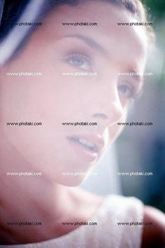 http://www.photaki.com/picture-portrait-of-a-bride_1323072.htm