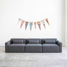 Gus * Modern zeitgenössische und skandinavische Möbel haben jetzt eine Limited Kollektion in Partnerschaft mit Pendleton. Klicken Sie hier, um mehr zu exklusivste Möbel zu finden. | www.wohn-designtrend.de #limitededition #limitededitionmöbel #limitededitionkollektion #exklusivemöbel #limitededitionsessel #exclusivesdesign #sesseldesign #sessel #GUSMODERN #luxussessel#luxusmöbel #modernmöbelmarken #PENDLETON #innenarchitektur #wohnzimmerideen #modernewohnzimmer #skandinavischewohnzimmerideen…