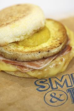 Smith & Deli brings a less than authentic yet no less delicious vegan Jewish deli to a Fitzroy side street. The sister venue to Shannon Martinez and Mo Wyse's L The Breakfast Club, Best Breakfast, Recipe Of The Day, Vegan Friendly, Places To Eat, Deli, Hamburger, Food And Drink, Ethnic Recipes