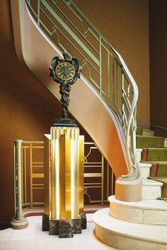 51 Ideas For Modern Art Deco Interior Design Stairs Architecture Design, Architecture Art Nouveau, Stairs Architecture, Art Deco Stil, Art Deco Home, Art Deco Period, Art Deco Era, Bauhaus, Interiores Art Deco