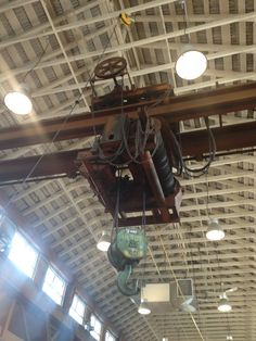 Here's a sexy old Canadian crane inside the Granville Island public market in Vancouver.  10 tons! I'm swooning.