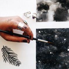Lara Dias refinou seu estilo, experimentou novas cores e técnicas em pintura, e agora, ministra um curso de introdução à aquarela para iniciantes. Confira!