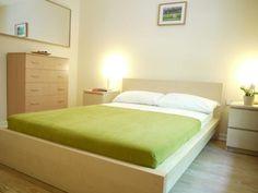 115.00 GBP  Royal College #3  sleeps 8 in 5 beds; 4 bedrooms!  kan niet goed zien of het ruim is of niet 76sqm