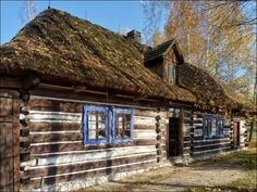 Nadwiślański Park Etnograficzny w Wygiełzowie ~ zagroda okołowa ze Staniątek z 1855 roku,
