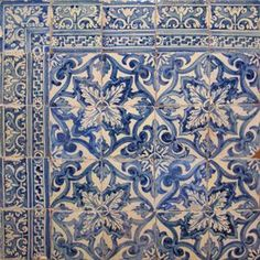 17th century Portugese tiles    solarantiquetiles.com