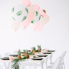 Love this with the DIY leaf balloons by @studiodiy