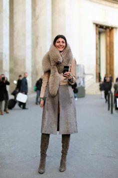 Oversized Fur Scarf 2017 Street Style