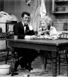 Is Phyllis Diller Married Golden Age Of Hollywood, Hollywood Stars, Old Hollywood, Martin Show, Dean Martin, Phyllis Diller, Joey Bishop, Peter Lawford, Sammy Davis Jr