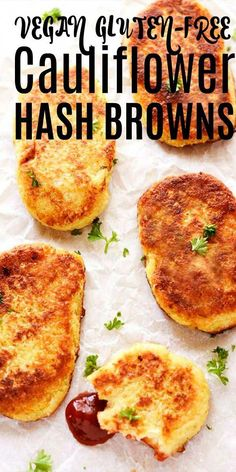 Oh yes! These healthy Gluten-Free Vegan Cauliflower Hash Browns are crisp on the outside and moist on the inside, so irresistible! #hashbrown #veganbreakfast