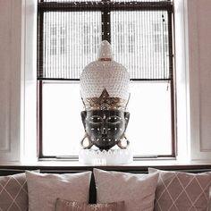 Have a great and fulfilling weekend😊🍀 Smukt roligt vindue med mørk brun bambus hos Samadhi Spa i København😍👌🏻 #darkbrownbamboo #colorco #newinterior #bambus #bambusrullegardiner #bambooblinds #welovebamboo #interiordesign #homedesign #interiorstyling #interiordecorating #window #interiordecor #scandinavianstyle #scandinavianhomes #nordic #nordicdesign #boligdesign #boliginspiration #indretning #nordic #boligindretning #nordicliving #nordicstyle #spa
