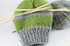 Einfache Armstulpen stricken gestreift - schoenstricken.de