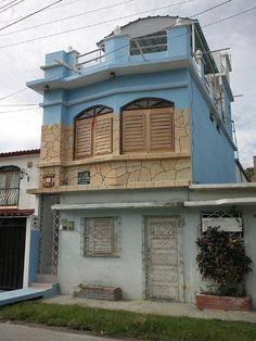 Casa El Mirador de Yemaya Owner:               Yenly       City:                  Cienfuegos           Address:            Ave 38 no.4502A % 45 y 47           Breakfast:             Yes 5CUC       Lunch/ diner:         Yes 10CUC      Number of rooms: 1