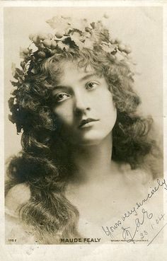 vintage everyday: 30 Beautiful Portraits of Maude Fealy from the Early Antique Photos, Vintage Pictures, Vintage Photographs, Old Pictures, Vintage Images, Old Photos, Timeless Beauty, Classic Beauty, 3 4 Face