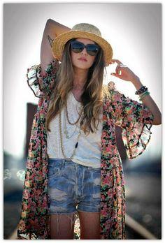 Bohemian Fashion Inspiration. Kimono with pretty bell sleeves
