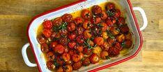 Tomates cherry asados con ajo y hierbas   Recetas El Comidista EL PAÍS Paste Recipe, Tasty, Yummy Food, Antipasto, Deli, Food Pictures, Veggies, Favorite Recipes, Stuffed Peppers
