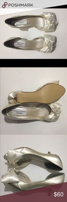 Victory Clayton Designs Cream Satin Shoes 7 1/2 Gorgeous pair of satin and sparkly gems with pearls bows peep toe shoes. NEW Shoes