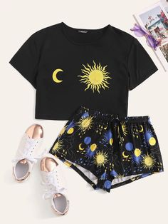 Shop Graphic Print Top & Drawstring Waist Shorts Set at ROMWE, discover more fashion styles online. Pop Fashion, Fashion News, Fashion Styles, Teen Fashion, Fashion Design, Fashion Outfits, Romwe, Suits For Women, Clothes For Women