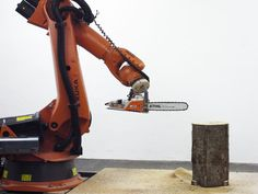 chainsaw robot carves the by tom pawlofsky + tibor weissmahr Woodworking Courses, Woodworking School, Learn Woodworking, Bandsaw Mill, Work Train, Man Crafts, Digital Fabrication, Log Furniture, Robot Design