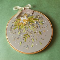 Vintage Embroidery Ideas 9 inches Embroidery Decor Botanical Embroidery Embroidery - A beautiful hand embroidered wall decoration for your home and a special gift for your dear person ❤ DETAILS: Embroidery Store, Hand Embroidery Art, Creative Embroidery, Vintage Embroidery, Ribbon Embroidery, Floral Embroidery, Cross Stitch Embroidery, Embroidery Patterns, Machine Embroidery