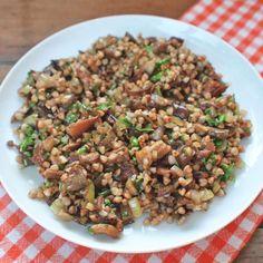 Zobrazit Pohanka s houbami receptů Black Eyed Peas, Quinoa, Snacks, Fitness, Recipes, Diet, Bulgur, Appetizers, Recipies