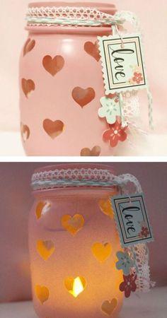 15 charming DIY mason jar gifts for Valentine's Day - DIY ideen 2019 - Valentinstag Pot Mason Diy, Mason Jar Gifts, Mason Jars, Valentines Day Decorations, Valentine Day Crafts, Holiday Crafts, Jar Crafts, Bottle Crafts, Saint Valentin Diy