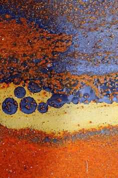 orange / yellow / blue - grey = rusted car metal